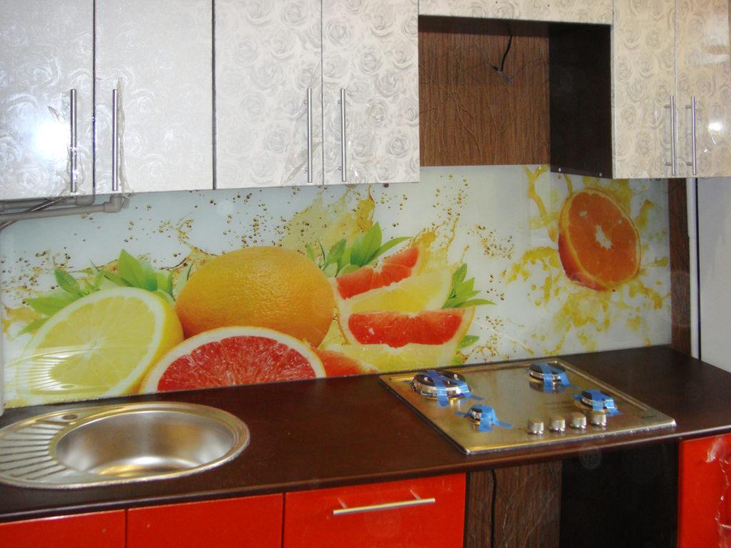 Кухонный фартук фрукты в брызгах
