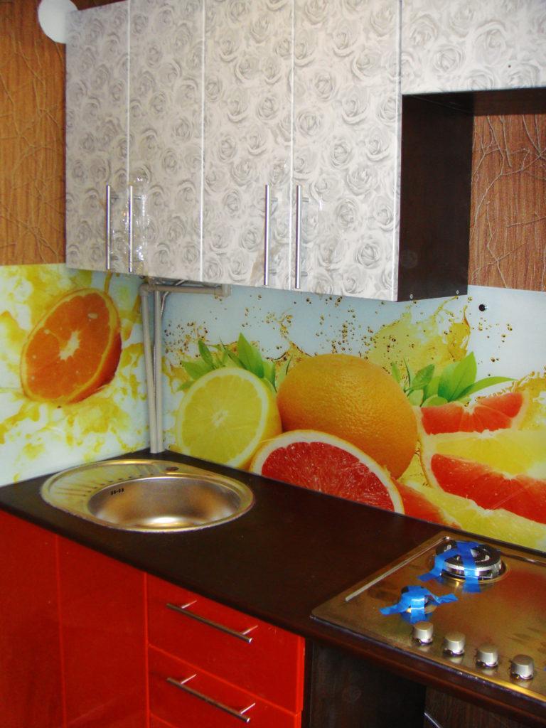 Кухонный фартук на закаленном стекле фрукты в брызгах