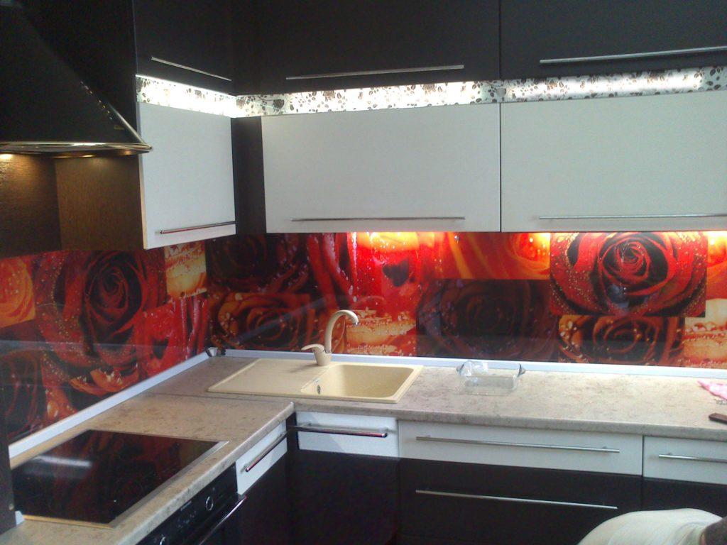 Стеновая панель из закаленного стекла коллаж Розы
