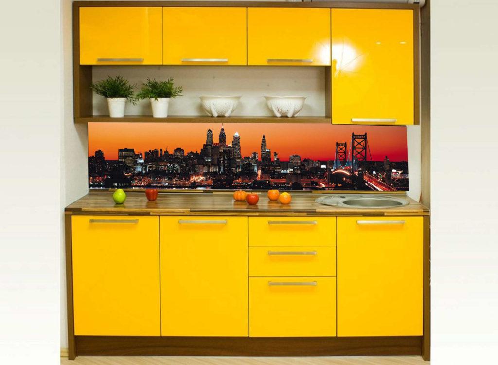 Кухонный фартук подходящий для желтой кухни