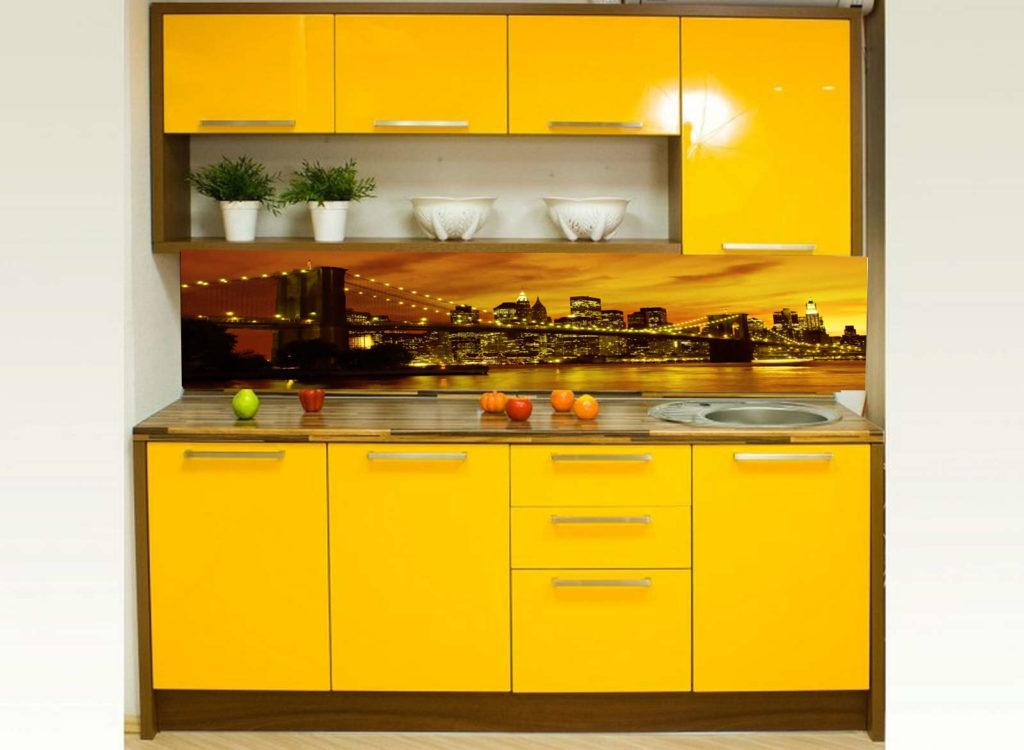 Кухонный фартук из закаленного стекла в Курске подходящий для желтой кухни