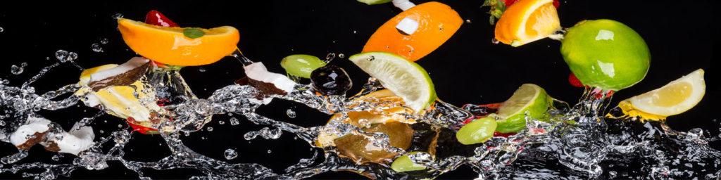 изображения для кухонных фартуков фрукты на черном фоне, апельсины на черном фоне, брызги, фрукты