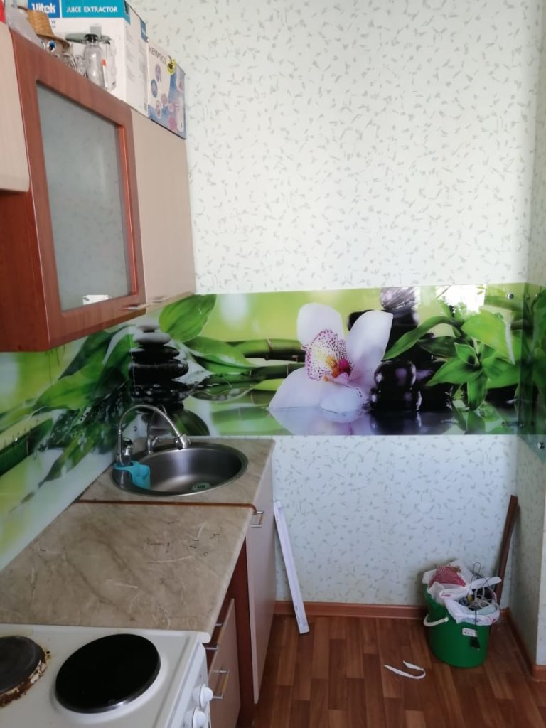 фотопечать на стекле, скинали, скинали из закаленного стекла, изображение для кухонного фартука, картинка для синали, фото для кухни, скинали для кухни, как выбрать скинали для кухни, самые красивые изображения для скинали, кухонный фартук как выбрать, фото для стекла в кухню, стеновая панель в кухню из стекла, лучше всего на кухню подойдет, панель из закаленного стекла, фартук с подсветкой,орхидеи-для-скинали,изображение-для-кухонного-фартука-орхидеи, салотовый-для-кухни,салатовый-для-скинали