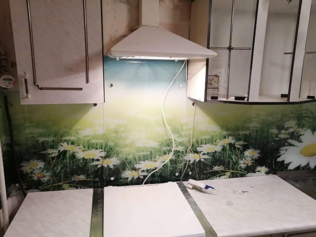 фотопечать на стекле, скинали, скинали из закаленного стекла, изображение для кухонного фартука, картинка для синали, фото для кухни, скинали для кухни, как выбрать скинали для кухни, самые красивые изображения для скинали, кухонный фартук как выбрать, фото для стекла в кухню, стеновая панель в кухню из стекла, лучше всего на кухню подойдет, панель из закаленного стекла, фартук с подсветкой, горы-для-скинали,изображение-для-кухонного-фартука-горы, изображение-для-кухни,пространство-для-скинали,ромашки-для-скинали, как-украсить-старую-кухню